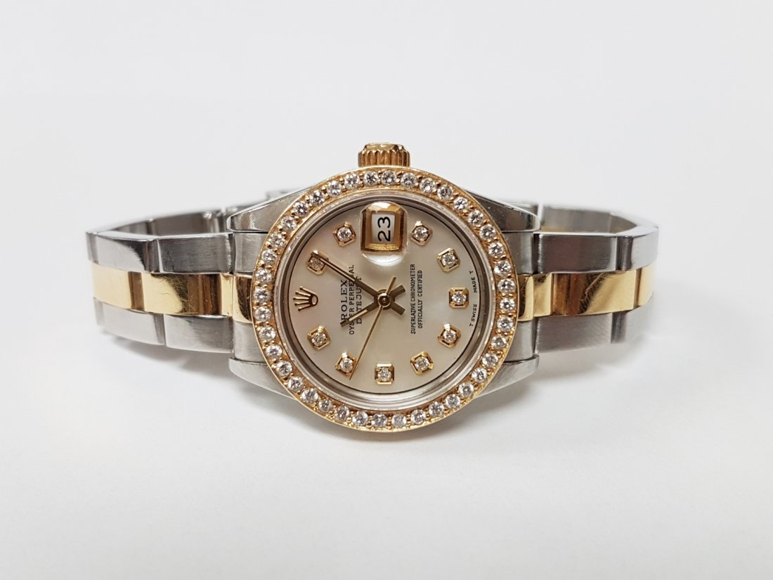 ROLEX - a lady's Oyster Perpetual Datejust