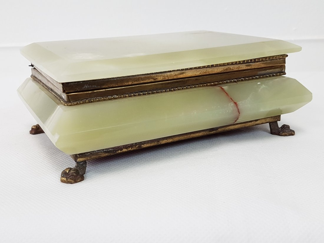 ANTIQUE GREEN ONYX AND BRONZE FOOTED BOX - 2