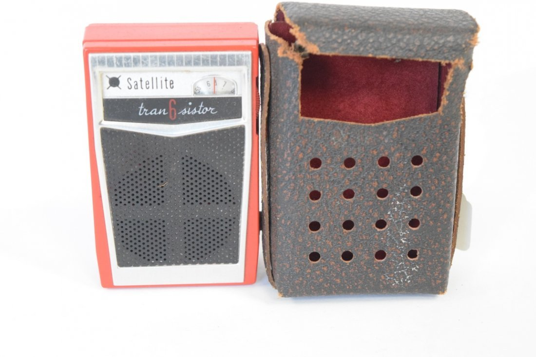 SATELLITE 6 TRANSISTOR RADIO