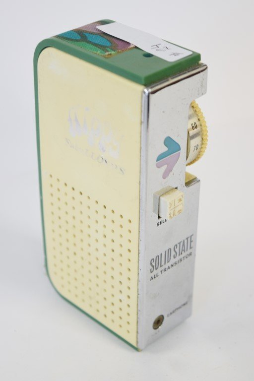 SOLID STATE ALL TRANSISTOR RADIO - 4