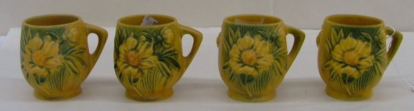7: 4 Roseville Peony mugs, 2-3 1/2