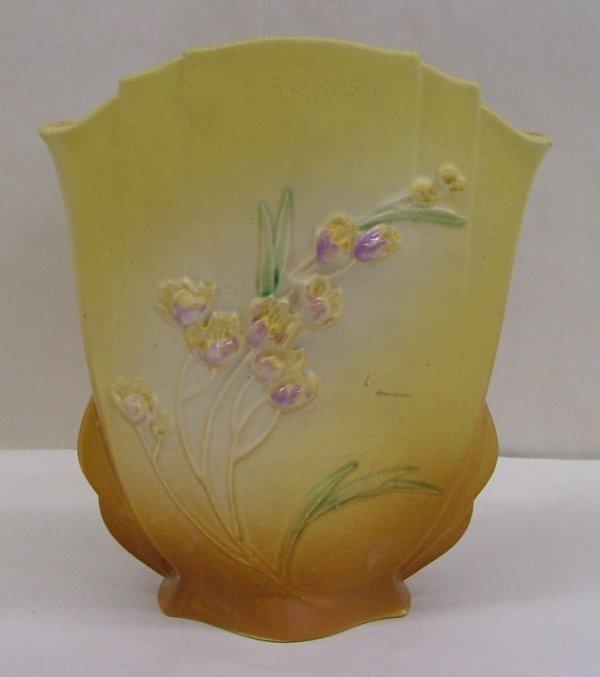 8: Roseville Ixia vase, 863-10