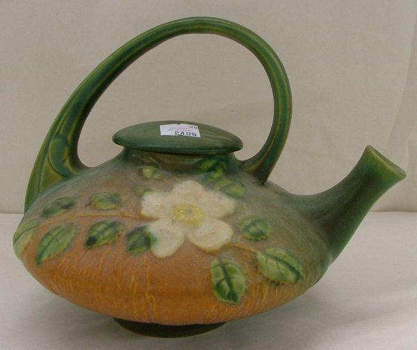 11: Roseville White Rose tea pot, 1T