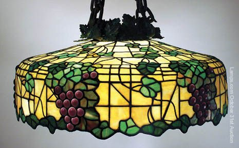 18: Morgan Grape Leaded Glass Lamp Shade