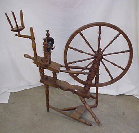 1002: Natural finish spinning wheel with 26""