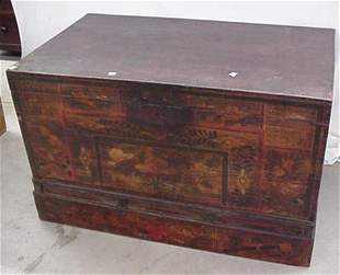 """40"""" wide oriental blanket box with dove"""