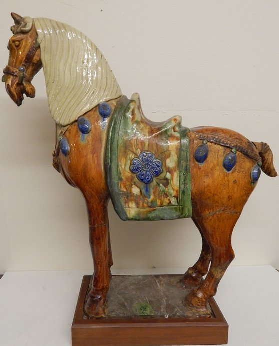 ANTIQUE TANG DYNASTY SANCAI HORSE SCULPTURE