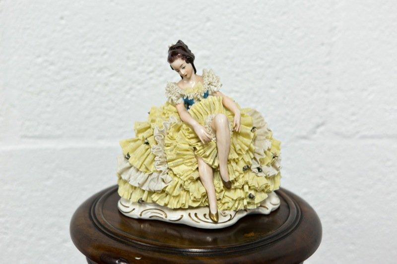 Aelteste, Dresden Lace Spitzenfiguren Porcelain Lady