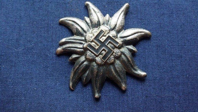Nazi Germany WW2 Mountain Troop Hat Insignia