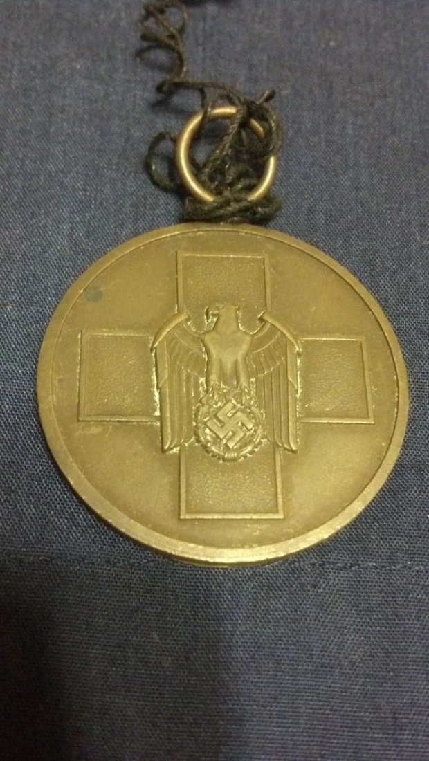 Original German WW2 Nazi Volkspflege Medallion