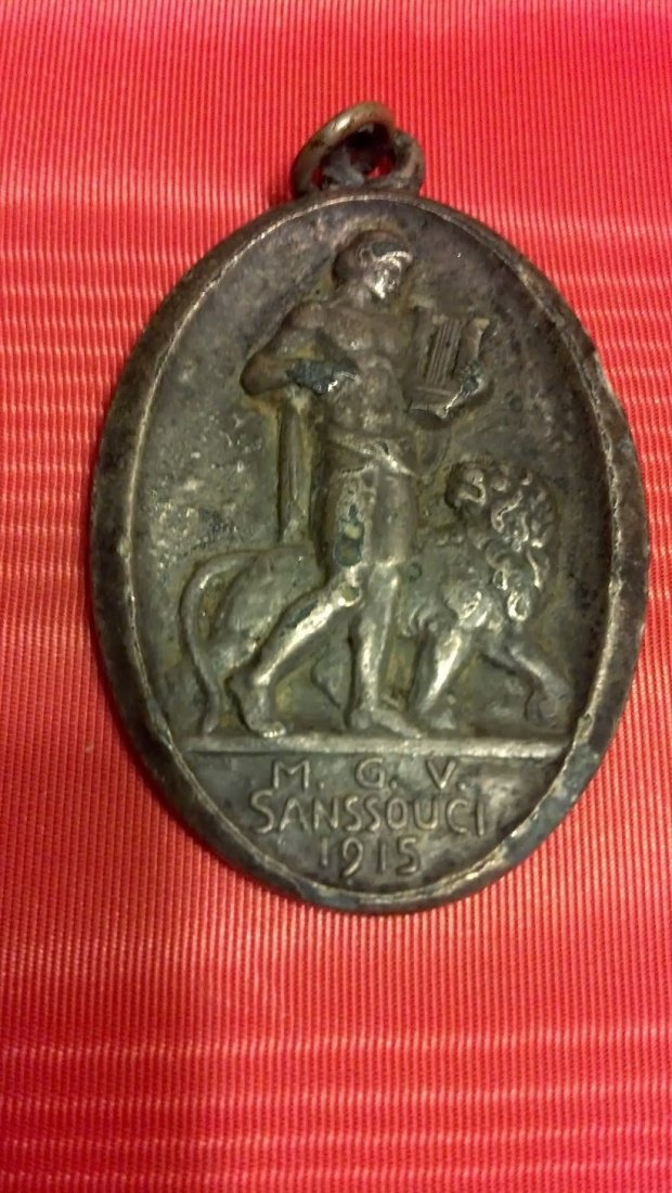 German WWI era 1915 dated medal World War One