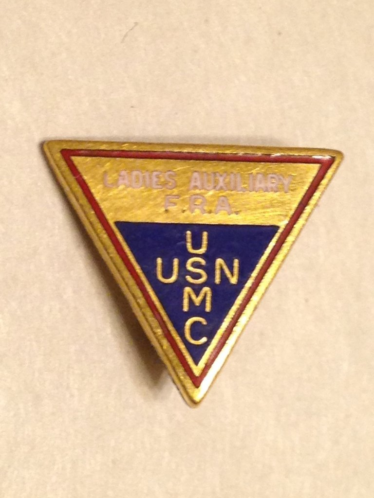 United States Marine Corps Tie Clip and Insignia Lot - 2