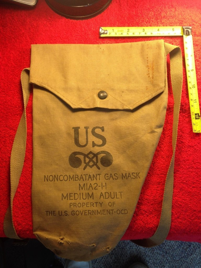 Early U.S. WW2 Military Issue Gas Mask Bag