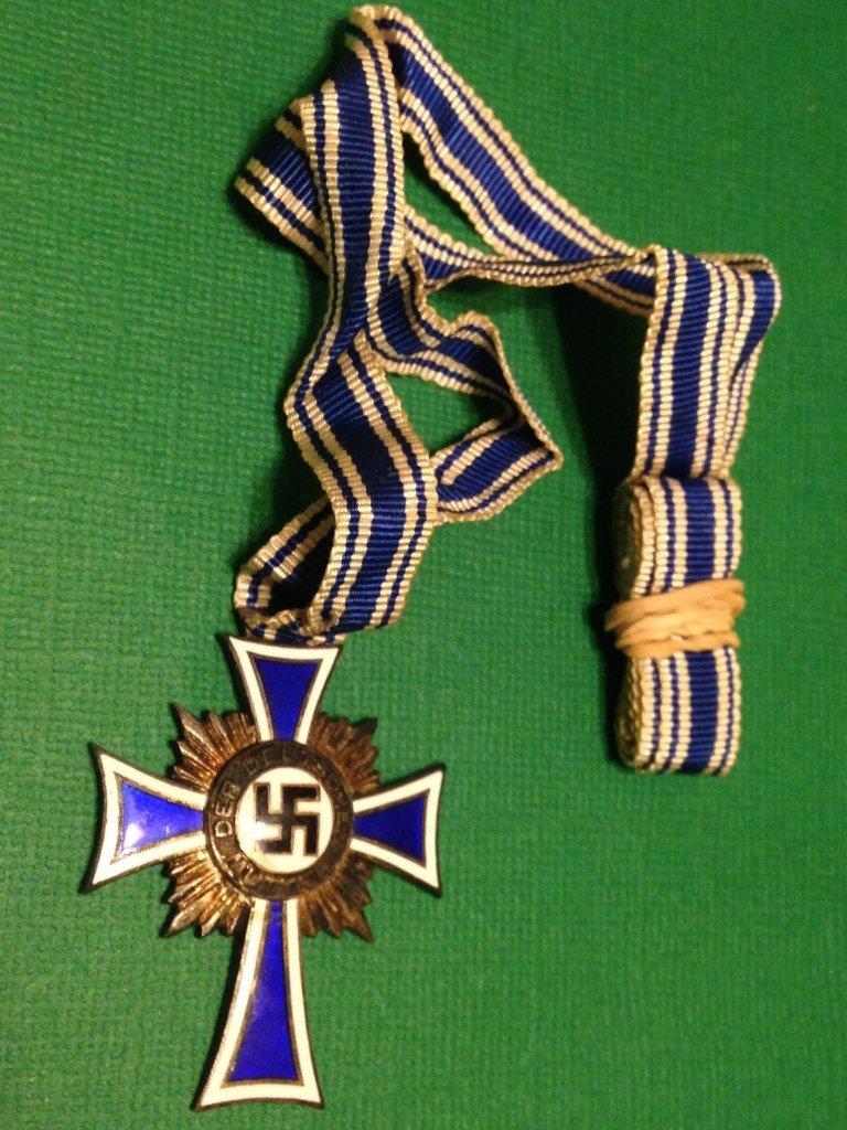 Nazi WW2 Mothers Cross with Ribbon Vet Bringback