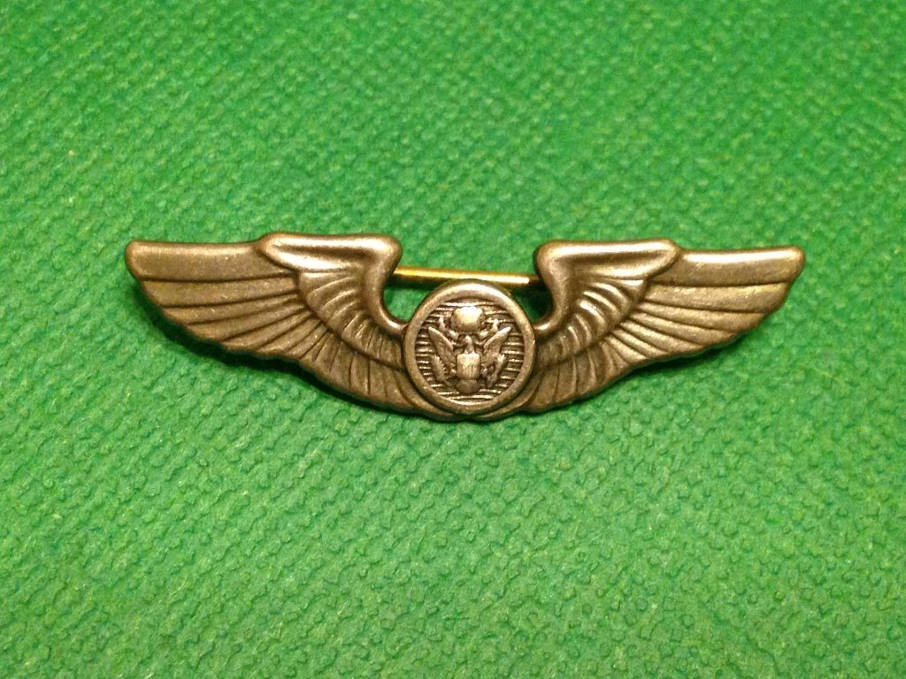 WW2 Sterling Enlisted Army Air Corps Wings Pin Back