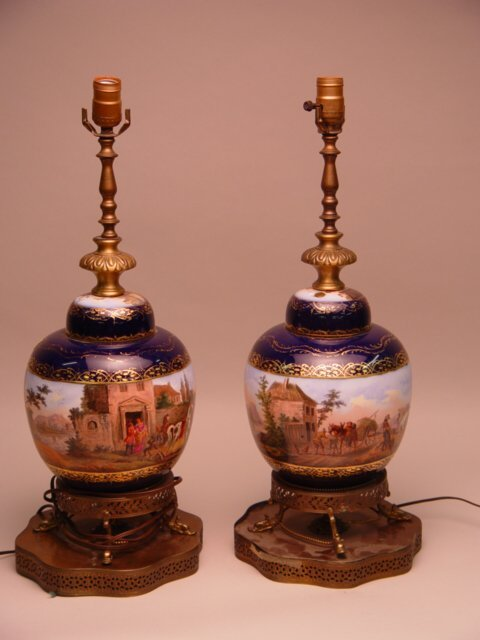 1001: Pair of Porcelain Hand Painted Ginger Jar Lamps