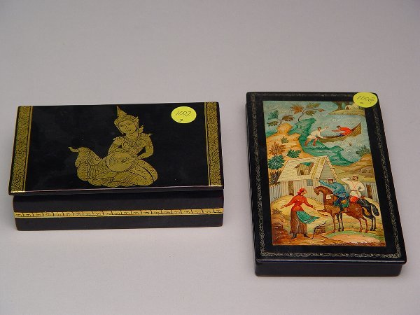 1002: Russian Hand Painted Lacquerware Box