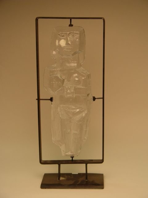 1009: Contemporary Glass Sculpture Mother & Child