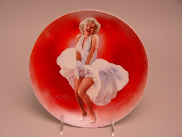 1023: Assorted Collector Plates