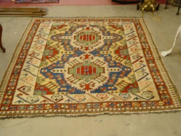 1031: Caucasion Carpet 4' x 6'