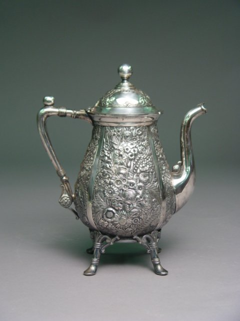 1000: 19th C. Reed Barton Silverplate Coffee Pot