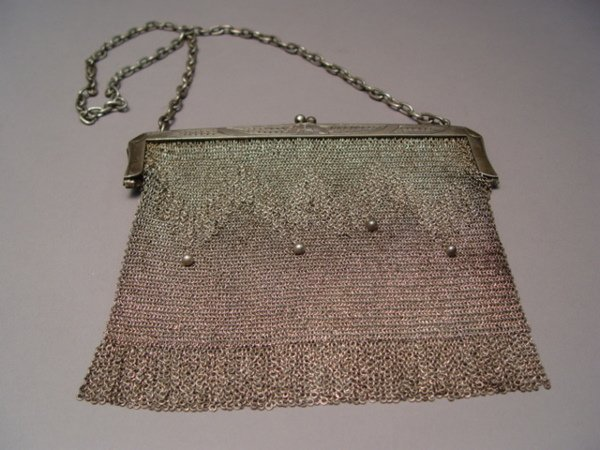 1010: 2 Early 20th c. Women's Purses Beaded & Mesh