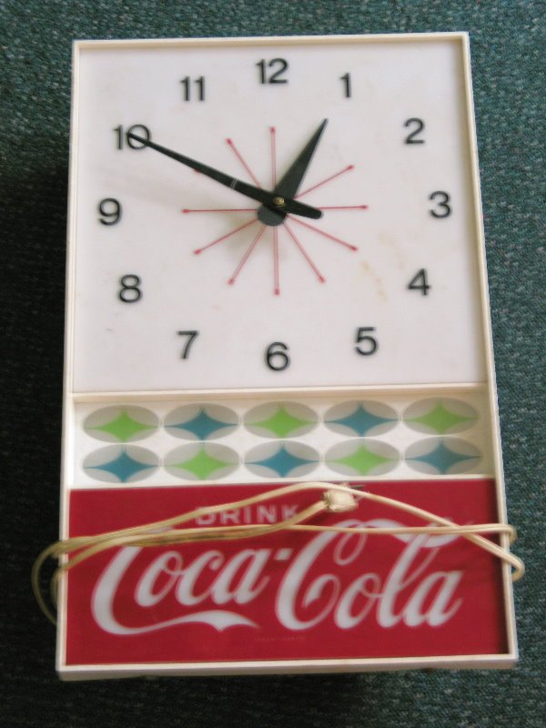 1017: Coca Cola Electric Lighted Wall Clock