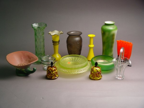141: 16pc Group of Art Glass
