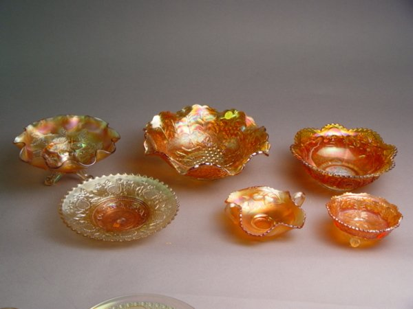 142: 17pc Group of Carnival Glass Bowls & Plates