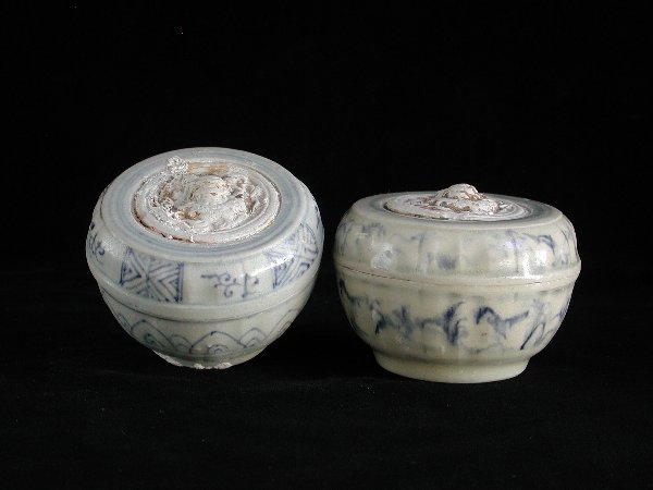 """22: """"Two Vietnamese Covered Boxes 15th/16th C"""