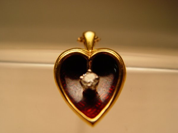2014: 18k Gold, Enamel & Diamond Pendant Necklace