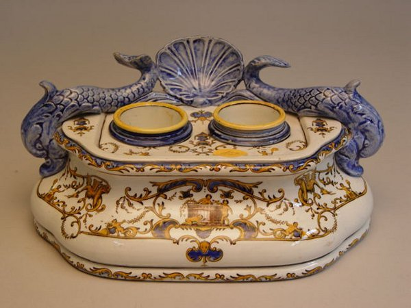 117: Collection of Continental Porcelain Table Articles