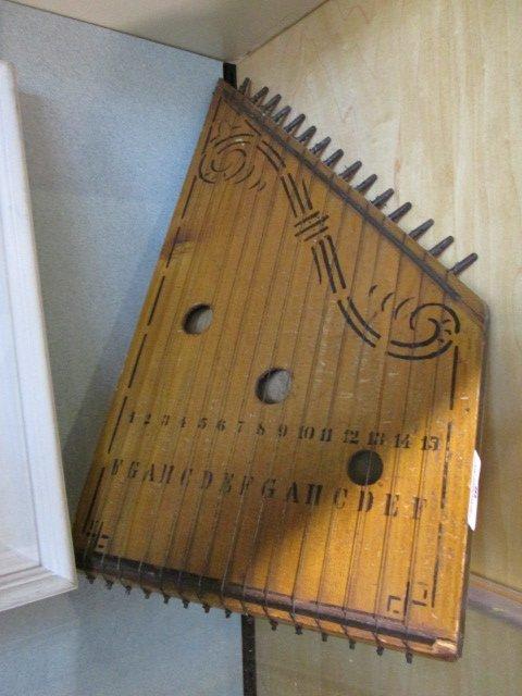 A 15 String Melody Harp.