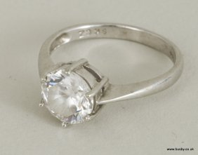 A 9ct white gold cubic zirconia solitaire ring, 3.1g.