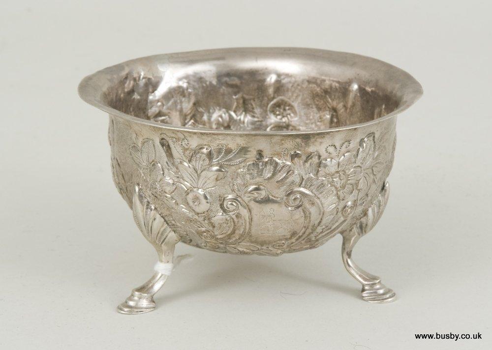 Irish silver bon-bon dish. Dublin 1918, with a chased