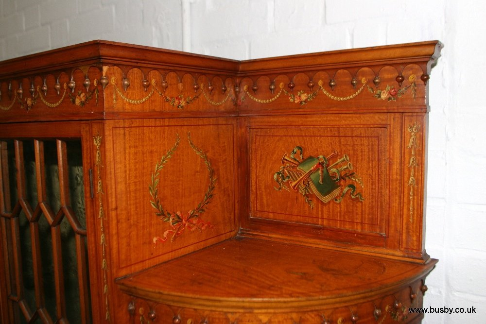 A satinwood Edwardian Sheraton style display cabinet - 3