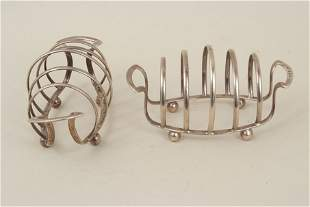 A pair of silver toastracks, by George Unite,