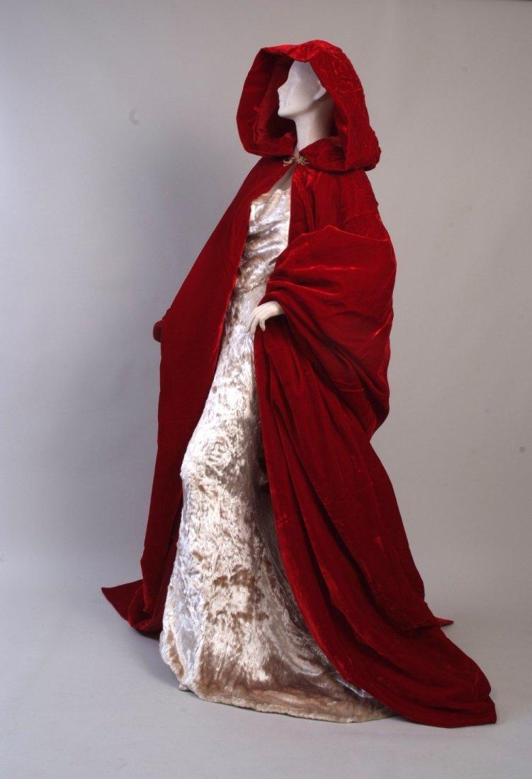 A 1997  haute couture Vivienne Westwood Wedding Dress. - 9