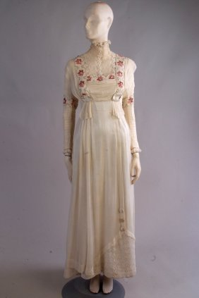 A Delightful 1910 Wedding Gown.  This beautiful