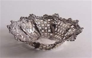 An Edwardian silver bon bon dish, by Mappin & Webb,