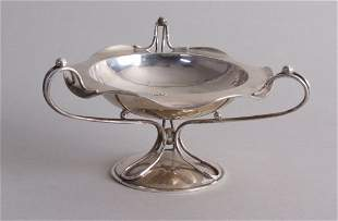 An Edward VII silver bonbon dish, handkerchief rim with