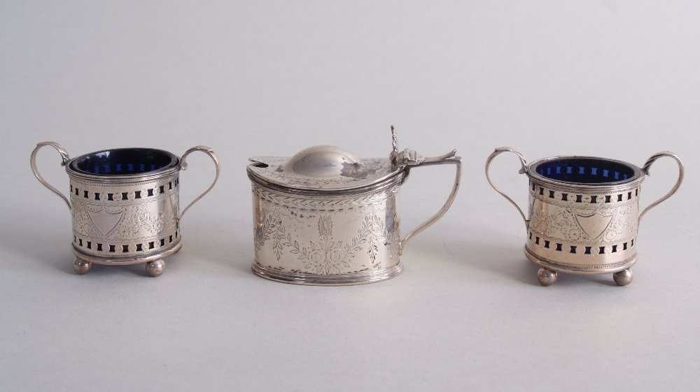 A pair of Victorian silver salts, Birmingham 1899, with