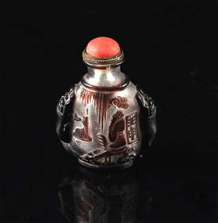Single Overlay of Purple on Glass Snuff Bottle Qing