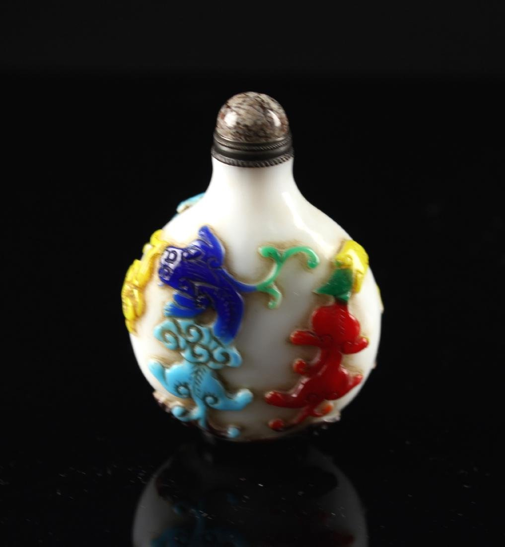 Five-coloured Single Overlay on White Glass Snuff Qing - 2