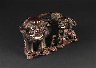 Woodcarving with Lion Decorate Item Republican Period