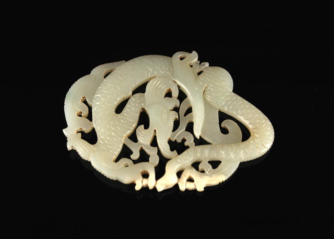 He-Tian Jade Carved with a Dragon Pendant Song Dyansty - 2