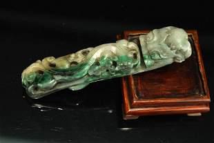 Jadeit Carved with Hook
