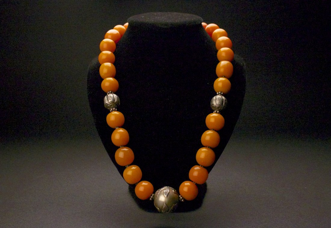 Amber  Necklace( 26 Beads)