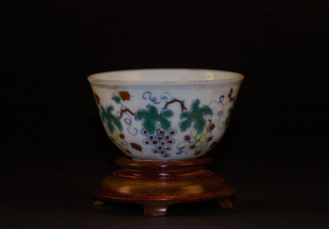 Doucai Grapes Small Bowl, Chenghua Mark