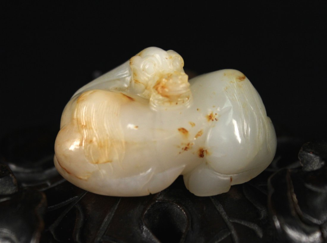 He-Tian White Jade Carved with Elbow Horse Qing Dynasty